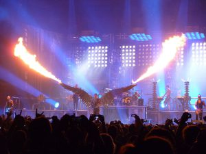 1200px-rammstein_live_at_madison_square_garden